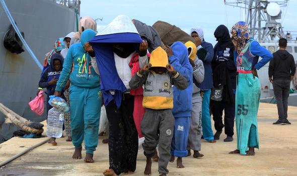 유럽6-유럽이민자본국송환프로그램 익스프레스지.jpg