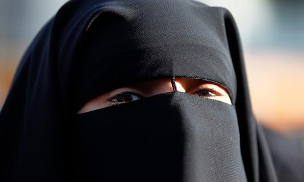 유럽1-덴마크, 이슬람교 니캅과 부르카 금지  가디언지.jpg