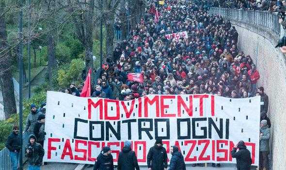 유럽6-이주자문제, 이탈리아 선거에 영향 익스프레스지.jpg