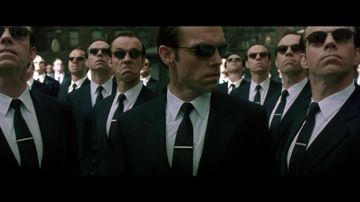 영화 매트릭스(1999)의 한 장면.png